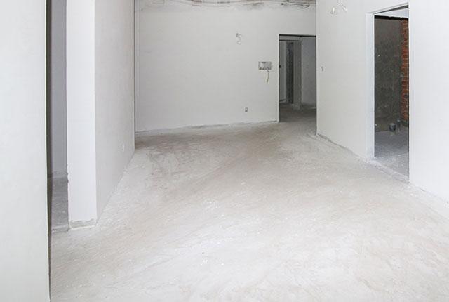 Tiếp tục bả sơn matit căn hộ tầng 17 Block C