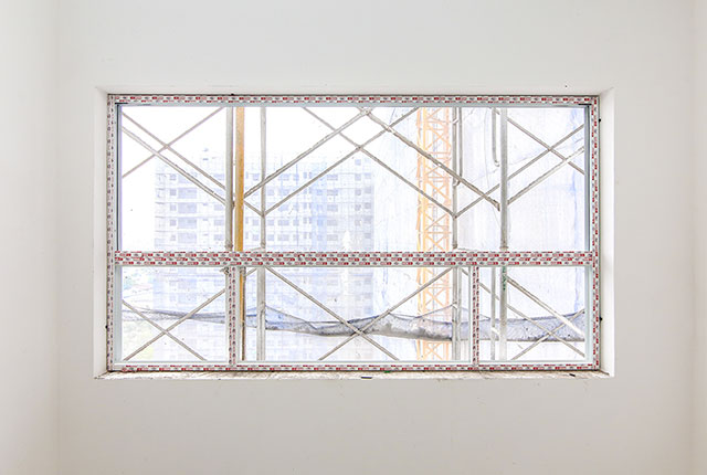 Lắp đặt khung cửa sổ căn hộ tầng 12 Block A, tầng 11 Block B