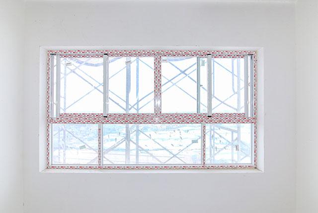 Lắp đặt khung cửa sổ căn hộ tầng 17 Block A, B, C
