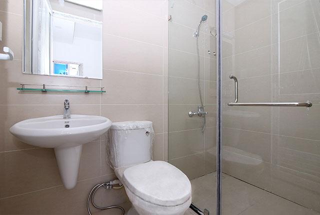 Tiếp tục hoàn thiện WC căn hộ Block A, B, C
