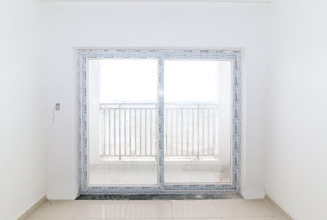 Lắp đặt cửa phòng khách căn hộ tầng 10 Block A, B, C