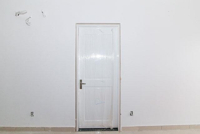 Lắp đặt cửa phòng ngủ căn hộ tầng 10 Block A, B