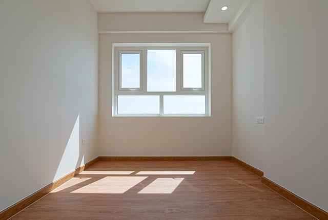 Công tác thi công lắp đặt sàn gỗ phòng ngủ căn hộ tầng 15 block A