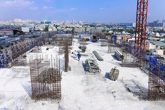 Hoàn thành đổ bê tông sàn tầng 13 block A