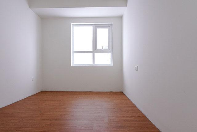 Công tác thi công lắp đặt sàn gỗ phòng ngủ căn hộ tầng 8 block A