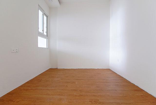 Công tác thi công lắp đặt sàn gỗ phòng ngủ căn hộ tầng 8 block C