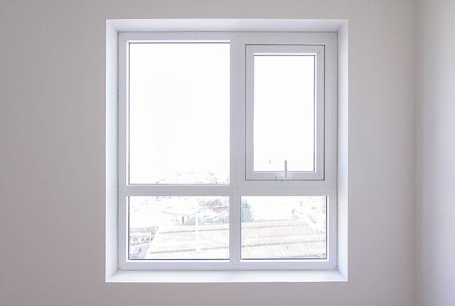 Thi công lắp đặt cửa sổ căn hộ tầng 20 block A