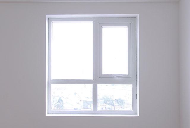 Thi công lắp đặt cửa sổ căn hộ tầng 20 block C