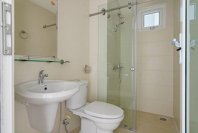 Công tác thi công lắp đặt các thiết bị WC căn hộ tầng 14 block C