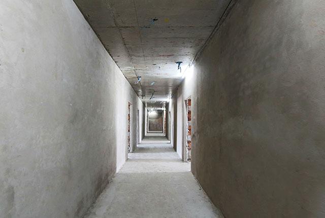 Công tác thi công tô tường hành lang tầng 14 block A