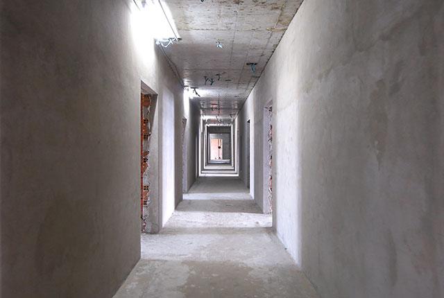 Công tác thi công tô tường hành lang tầng 19 block A