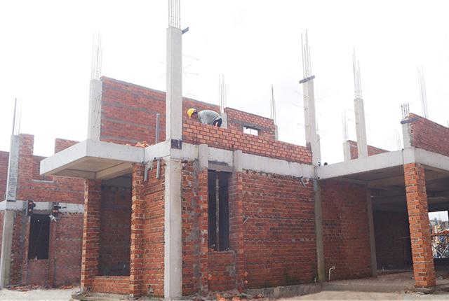 Công tác thi công xây tường tầng 2 khu P