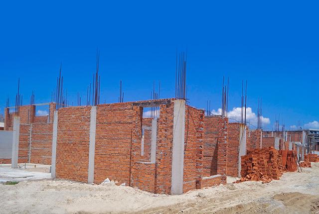 Công tác thi công xây tường tầng 1 Khu J