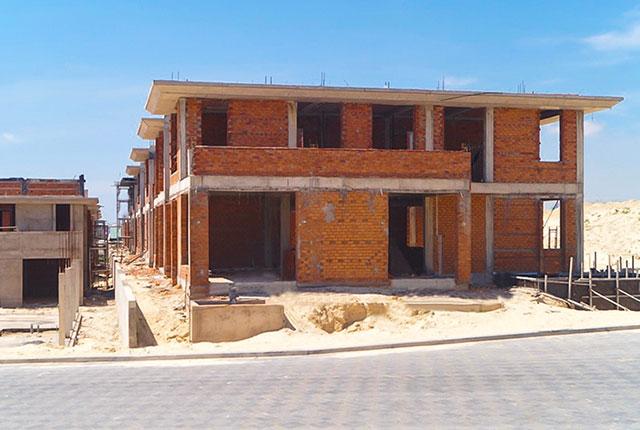 Công tác thi công xây tường khu J