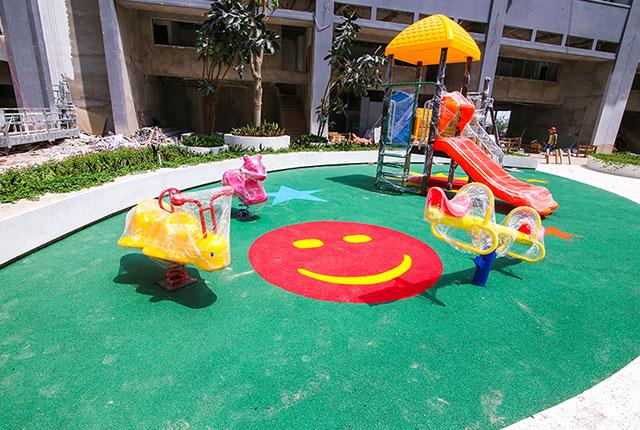 Hoàn thành lắp đặt khu vui chơi dành trẻ em