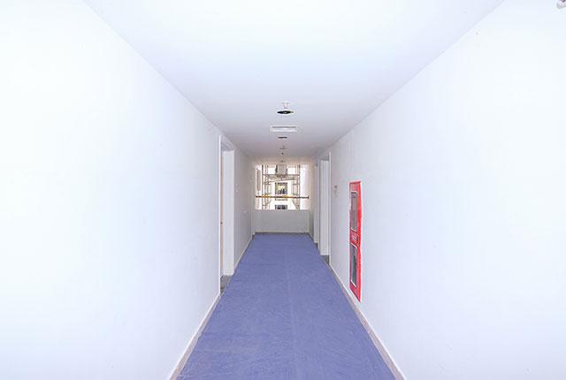 Thi công trần thạch cao hành lang căn hộ tầng 17 Block A, tầng 20 Block B