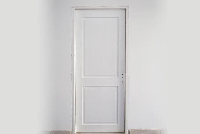 Lắp đặt hệ thống cửa bên trong căn hộ tầng 14 Block A, B
