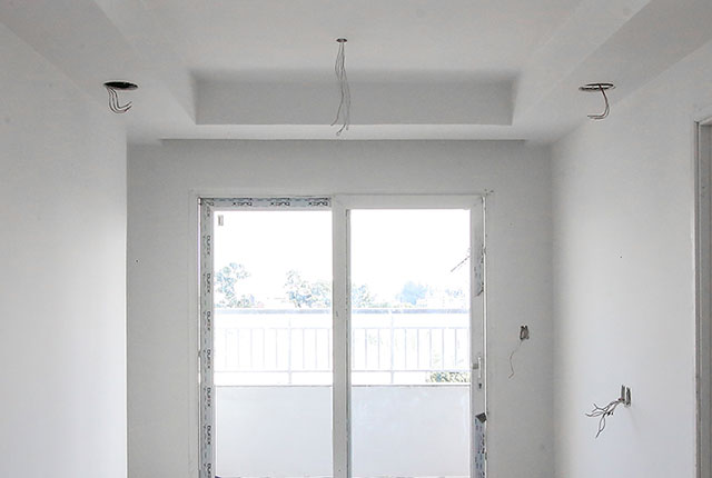 Lắp đặt hệ thống cửa phòng khách căn hộ tầng 19 Block A, tầng 21 Block B