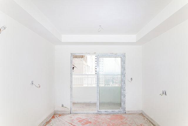 Lắp đặt hệ thống cửa phòng khách căn hộ tầng 18 Block A, B