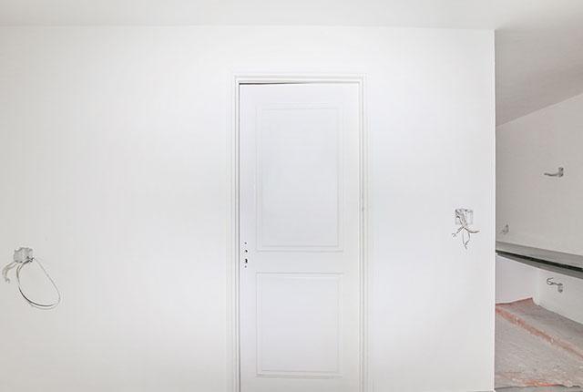 Lắp đặt hệ thống cửa phòng ngủ căn hộ tầng 16 Block A, B