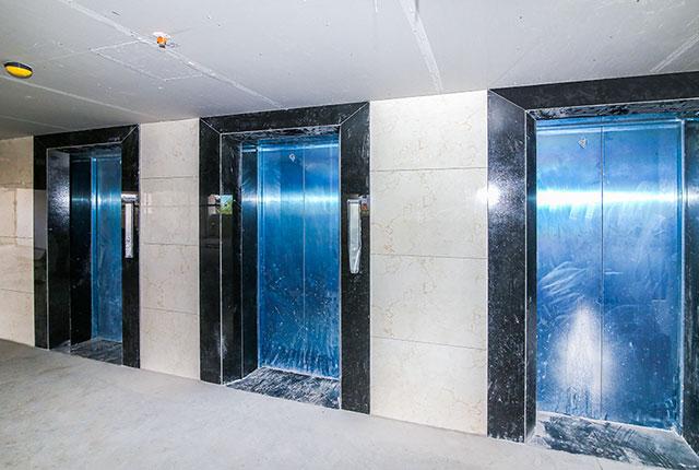 Hoàn thành ốp đá thang máy căn hộ Block A, B