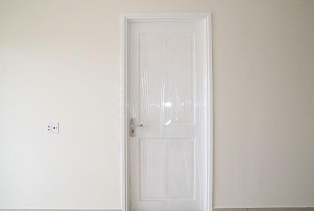 Hoàn thành lắp đặt cửa phòng ngủ căn hộ Block A, B