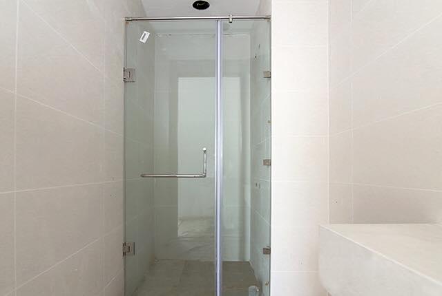 Lắp đặt cửa kính phòng tắm căn hộ tầng 7 - 9 block Southern