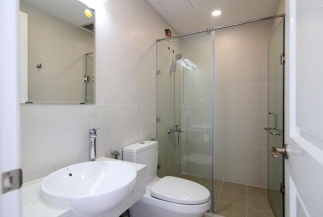 Lắp đặt thiết bị vệ sinh căn hộ tầng 5 - 21 block Southern