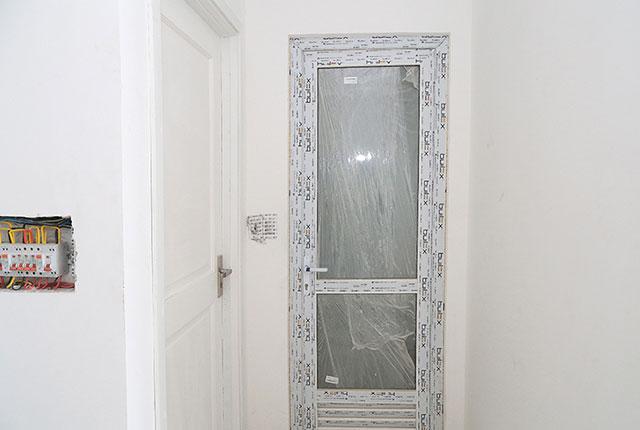 Hoàn thành lắp đặt cửa WC căn hộ block A, B