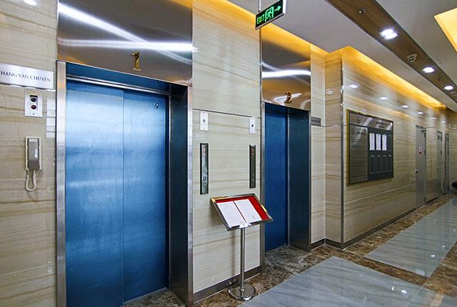 Hình ảnh khu vực thang máy block C