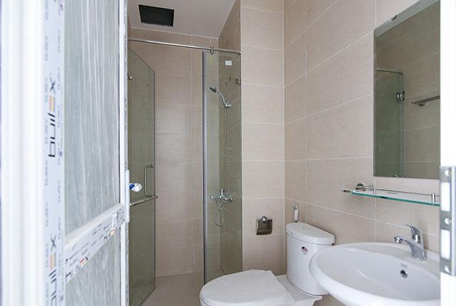 Hoàn thành lắp đặt thiết bị vệ sinh căn hộ block C