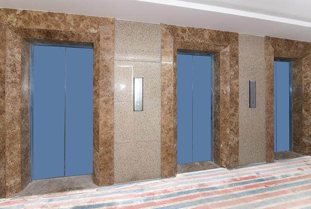 Ốp đá thang máy căn hộ tầng 18 block A, B