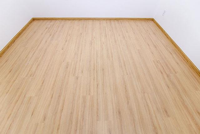Ốp sàn gỗ phòng ngủ căn hộ tầng 11 - 13 block A, B