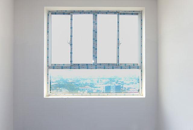 Lắp đặt cửa sổ phòng ngủ căn hộ tầng 5 - 8 block A