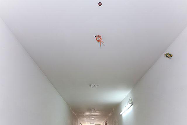 Thi công khung trần thạch cao hành lang căn hộ tầng 21 block B