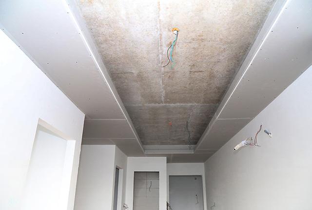 Thi công khung trần thạch cao tầng 9 block B