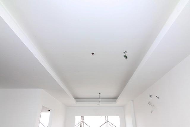 Tiếp tục thi công khung trần thạch cao tầng 8 block A