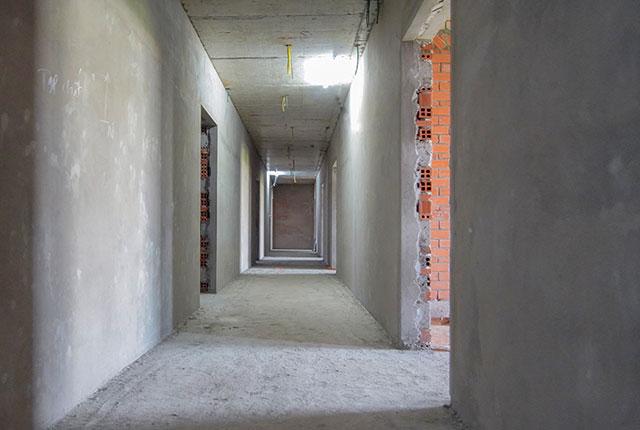 Thi công tô tường hành lang căn hộ tầng 5 - 22 block A1