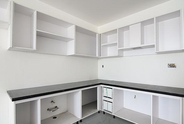 Lắp đặt tủ bếp từ tầng 6 đến tầng 8 block Lucky và tầng 6 block Riches