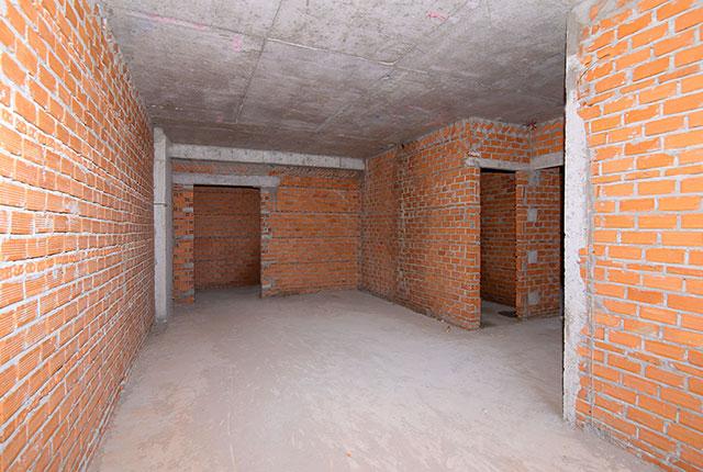 Xây tường bao căn hộ tầng 15 block Glory