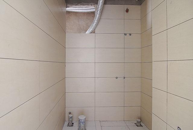 Ốp lát WC từ tầng 6 đến tầng 24 block Glory
