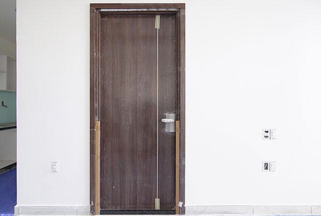 Lắp đặt cửa phòng ngủ từ tầng 6 đến tầng 16 block Glory