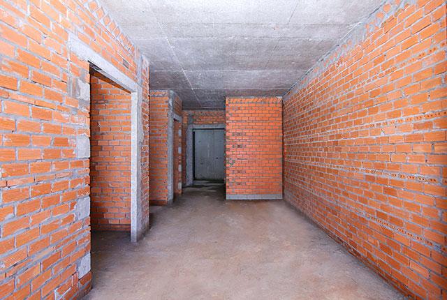 Xây tường bao căn hộ tầng 21 block Glory