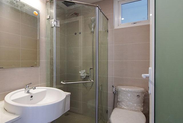 Lắp đặt thiết bị vệ sinh từ tầng 6 đến tầng 17 block Glory