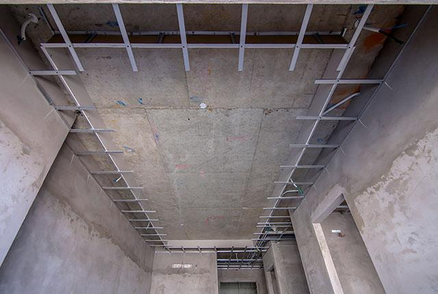 Đóng khung trần thạch cao từ tầng 5 đến tầng 13 block Glory