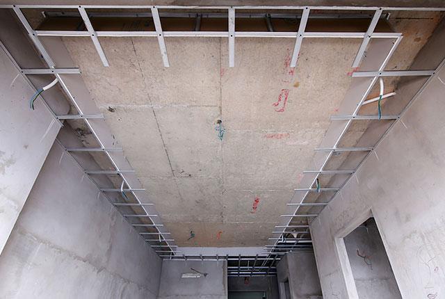 Đóng khung trần thạch cao từ tầng 5 đến tầng 20 block Glory