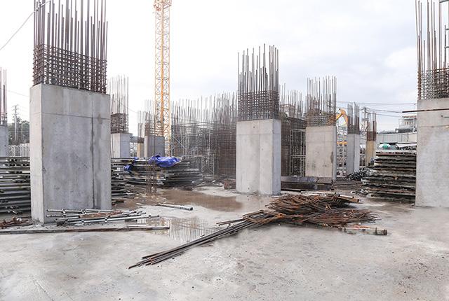 Hoàn thành đổ bê tông cột sàn tầng 1 block Riches