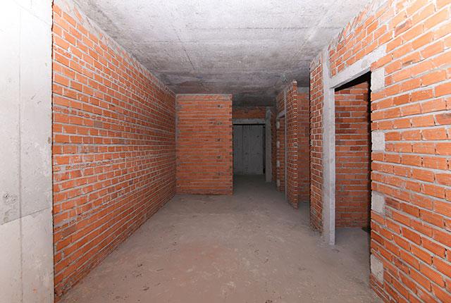 Xây tường bao căn hộ tầng 8 block Glory