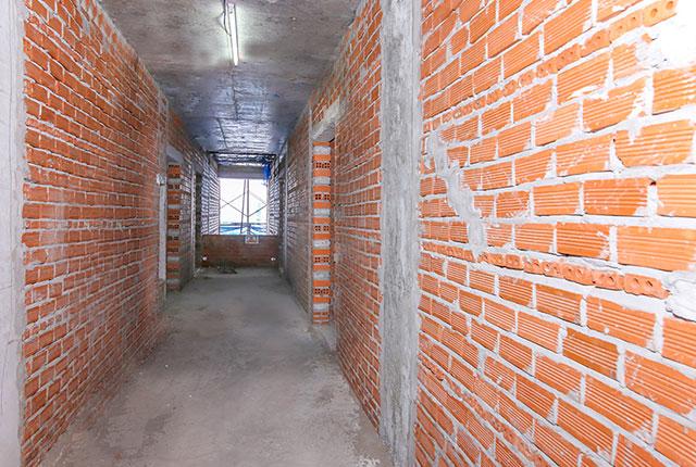 Xây tường bao căn hộ tầng 10 block Glory