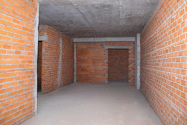 Xây tường bao căn hộ tầng 12 block Glory